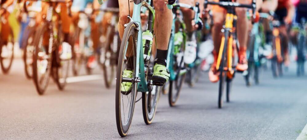 Cyclist on the road BANNER 2